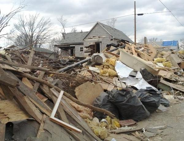 Harrisburg Man Loses Belongings, Neighbor To Tornado_-1227783488378090588
