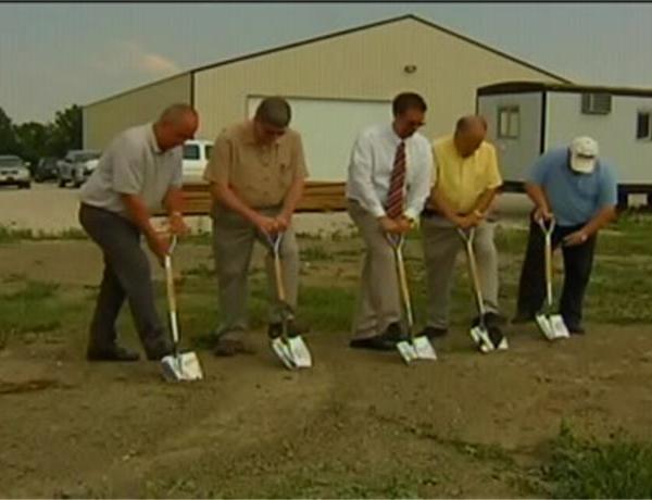 Warrick County Breaks Ground for New Animal Shelter_3034518166420672181