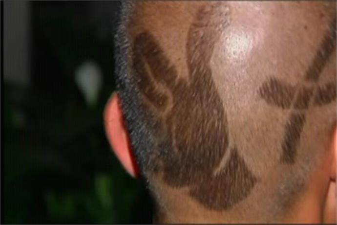 Henderson Man Gets _Thumbs Up_ Haircut_-297534374590199823