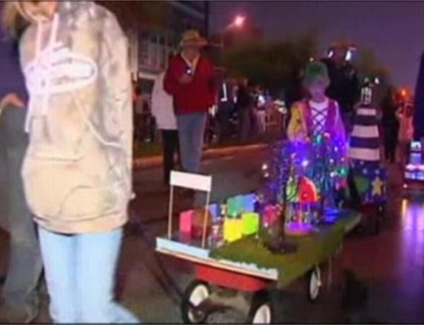 Kids Take Part in Festival Lighthouse Parade_-1448801219173594385