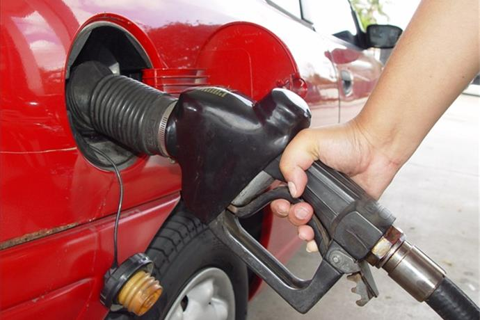 Gas Prices Expected to Fall Ahead of Holiday Season_-2055728174514222521