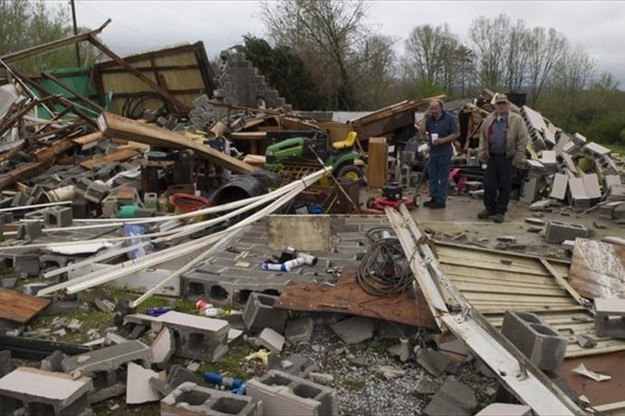 2005 tornado Madisonville_-1550818189322664022