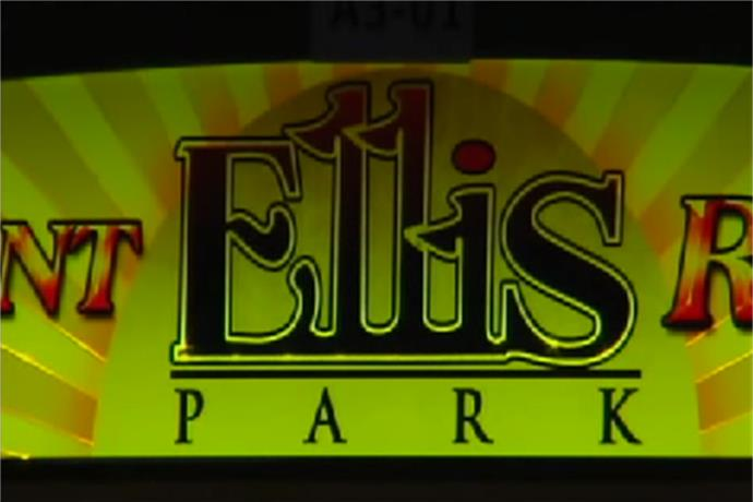 Ellis Park Goes to the Dogs_-4707521055098843653