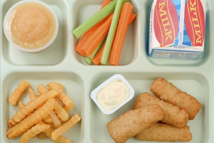 School Lunch_-6274388631194678306