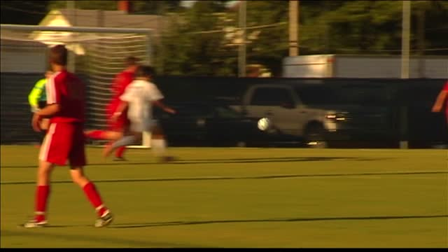Memorial Boys Soccer Beats Mater Dei_20150825173027