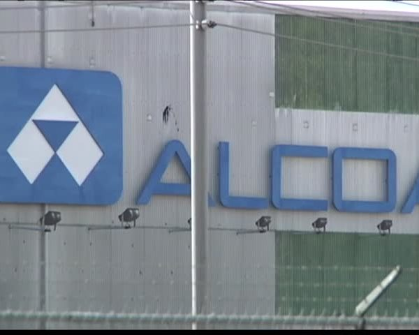 Alcoa Workers Apply for Federal Assistance_80633009-159532