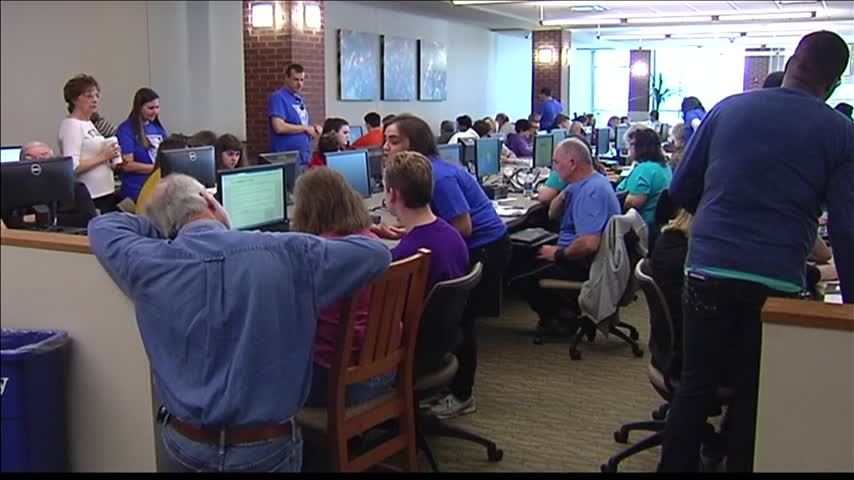 Event Helps Students Apply for Financial Aid_56589341-159532