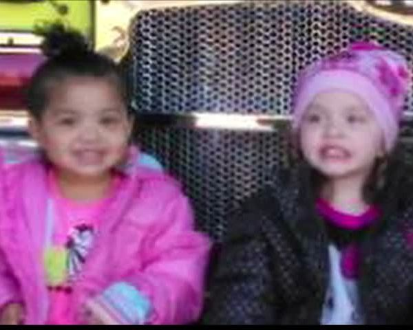 Young Girls Fighting for Life After Fire_20160226041102