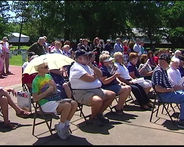 Memorial Day Ceremony at Oak Hill Cemetery Honors Those Lost_91741550-159532
