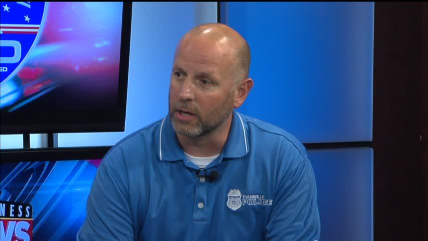 Brad Byrd Talks with Sgt- Jason Cullum_45001167-159532