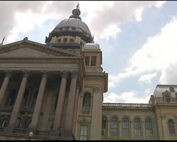 Illinois Budget Deadline Hurts Small Towns_20160630031601