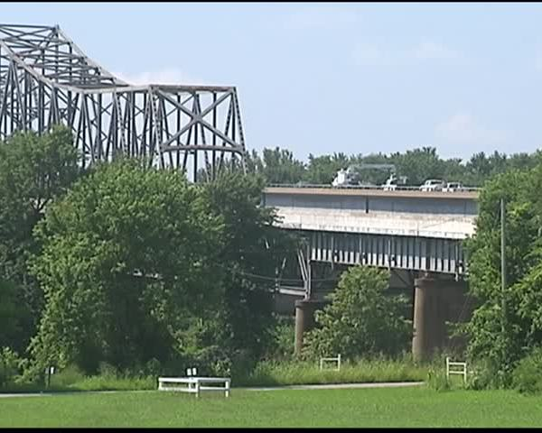 Expect Delays on Twin Bridges Through Friday_17653536-159532