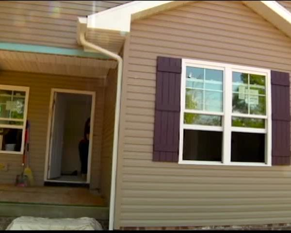 Habitat for Humanity- Eyewitness News Home Weeks from Comple_66987831-159532