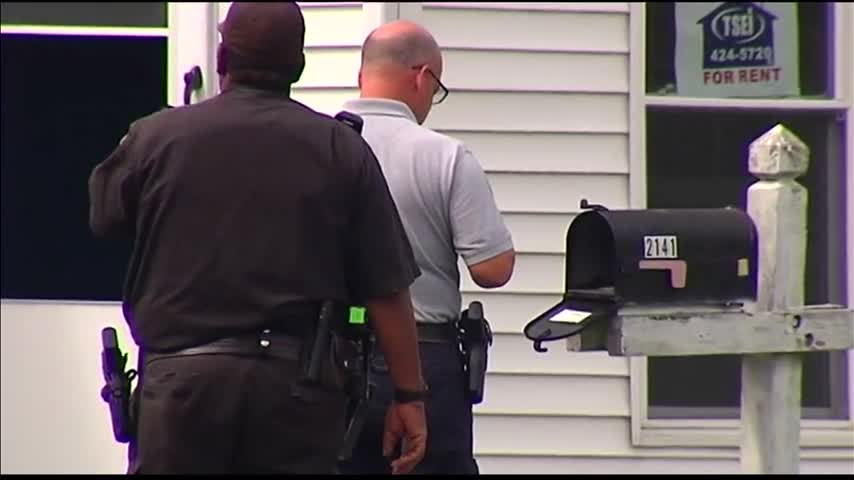 People Hoping to Rent Home Discover Gun in Mail Box_03692748-159532