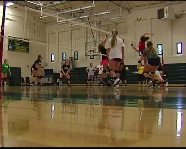 Young Owensboro Catholic Volleyball Team Still Has State_20160817010610