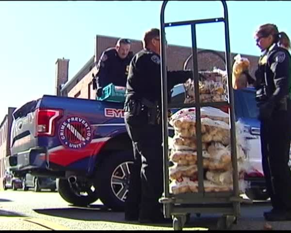 Thanksgiving Deliveries Helping Tri-Staters Celebrate_98827130-159532
