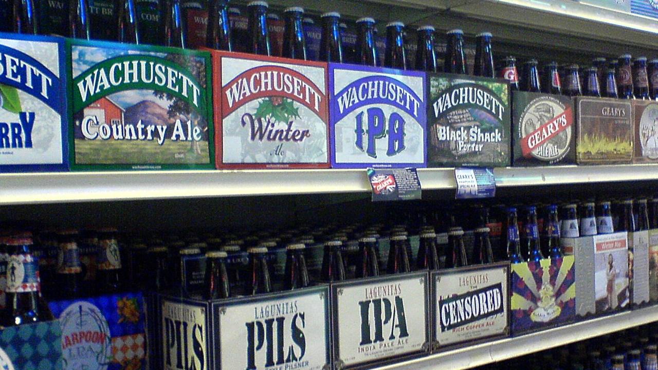 alcohol shelves liquor_1482250573291.jpg