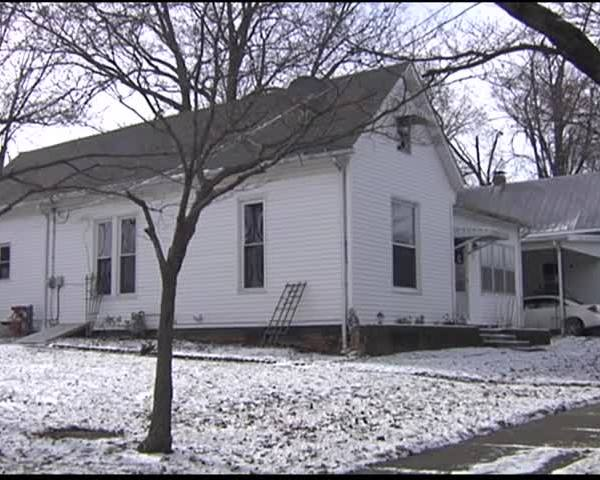Poseyville Rallying Around Family Displaced by Fire_38599969
