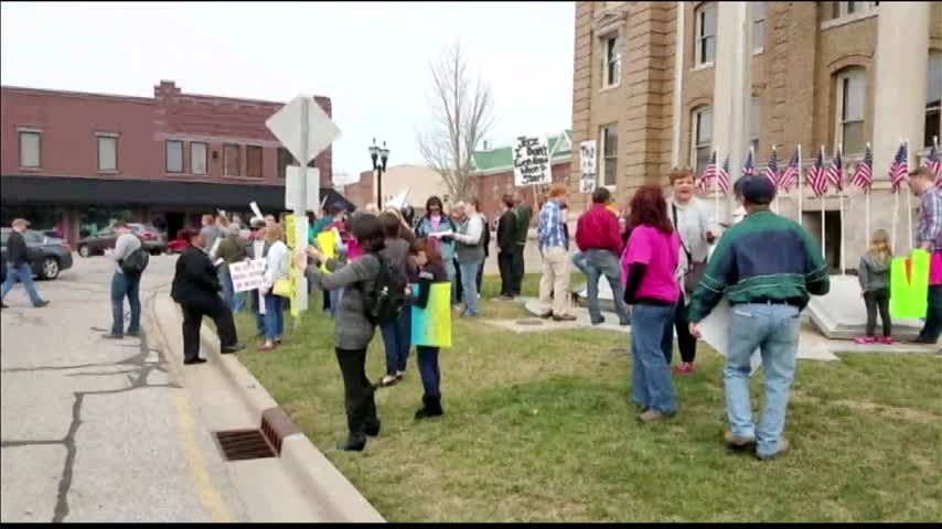 Rally Held During Lincoln Day Luncheon