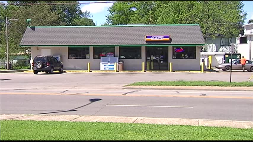 EPD Investigating Gas Station Robberies_96152387