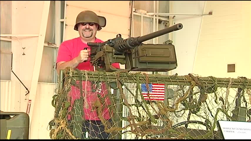 Evansville Wartime Museum Hosts Grand Opening_30466108