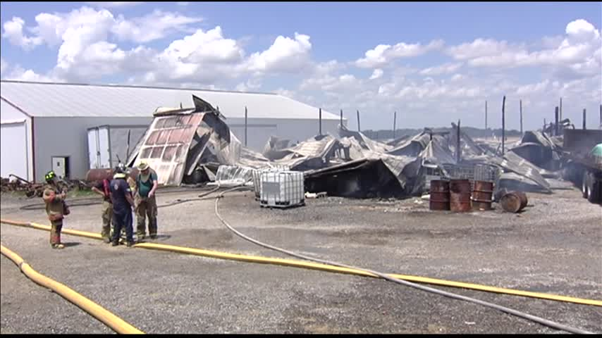 Barn Fire Breaks Out in Evansville_82790616