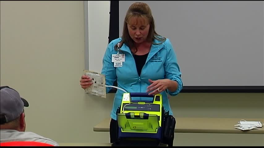 Posey County First Responders Receive AED-s_10426379