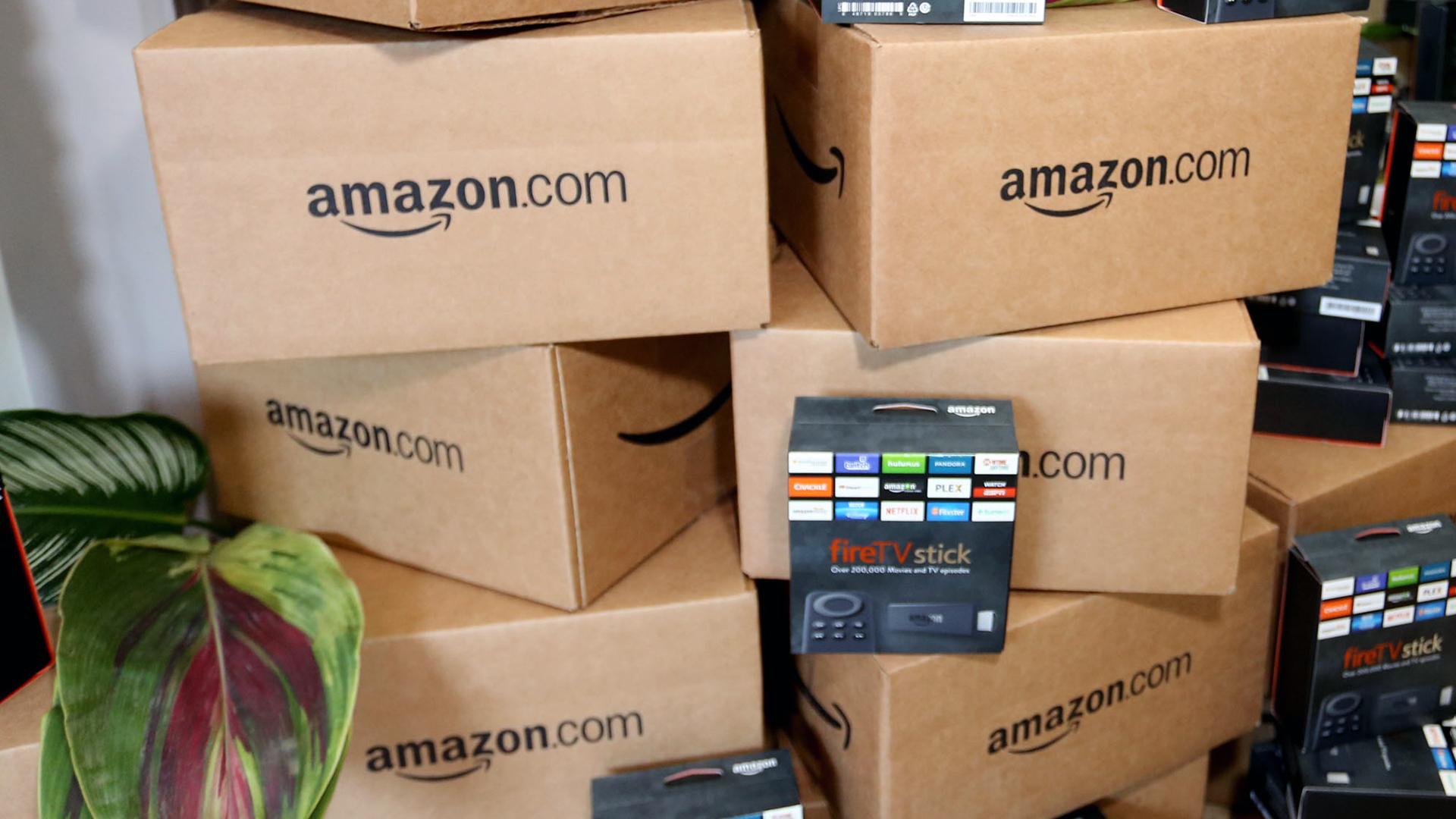 Stack of Amazon boxes-159532.jpg37224191