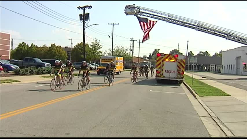 Chicago Firefighters Ride Bikes through Owensboro