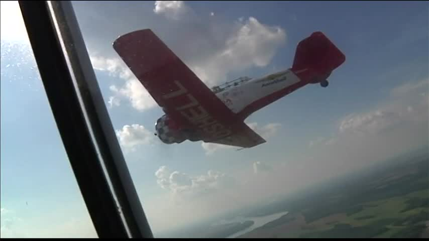 Performers Ready for Owensboro Air Show_82484872