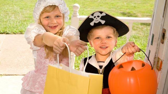 Halloween numbers - overall spending_2903299257352884-159532