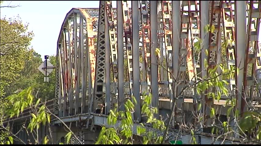 Repairs Underway on Spottsville Bridge_71555132