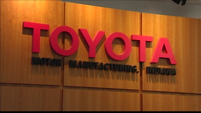 Japan Counsel-General Visits Toyota Plant