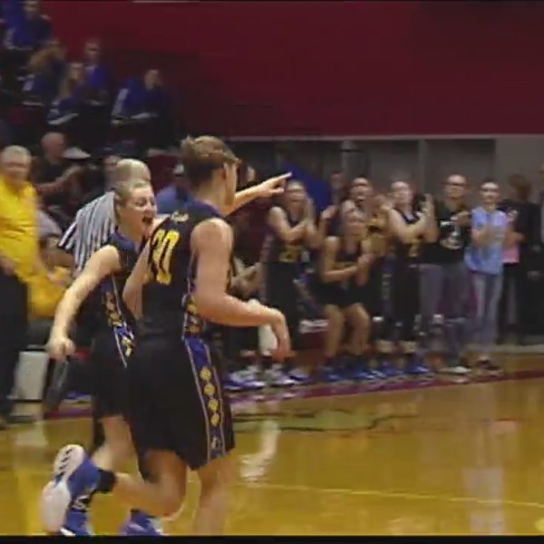 Castle stays perfect with win in SIAC semis