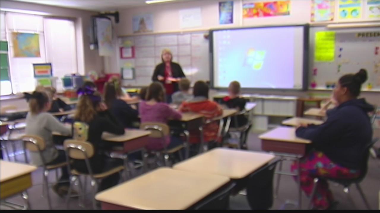 Kentucky_bill_could_arm_teachers_0_20180130001844