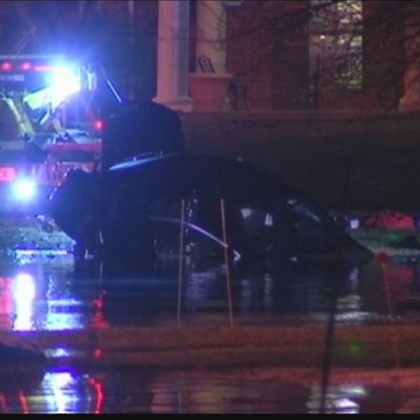 Evansville Dive Team pulls vehicle from water