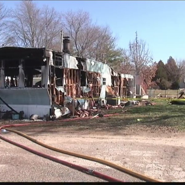 Man_dies_in_mobile_home_fire_in_Princeto_0_20180304005502