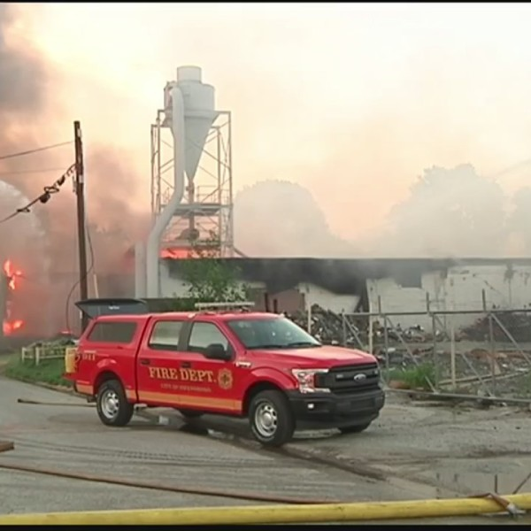Fire_Engulfs_Old_Warehouse_in_Owensboro_0_20180626030731