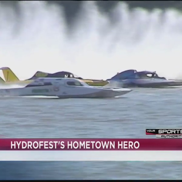 Local driver racing in HydroFest