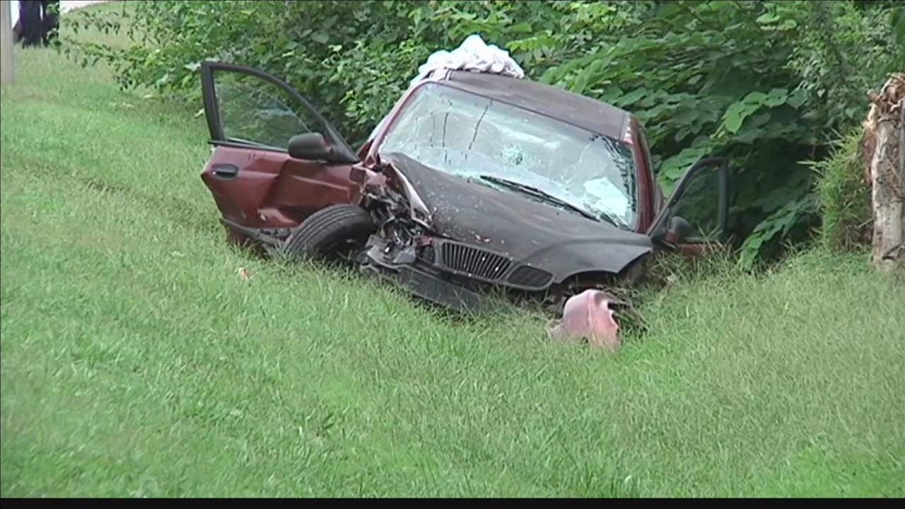 Three_Vehicles_involved_in_Crash_in_Owen_0_20180913031100