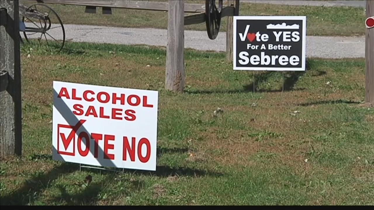 Sebree_voters_see_signs_of_wet_dry_vote__0_20181023222749
