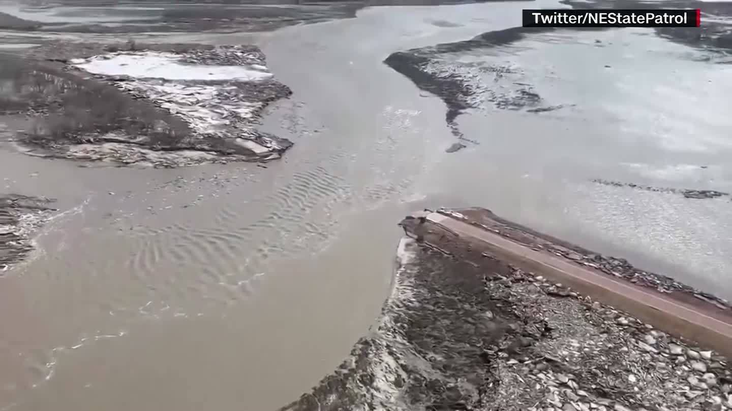 Historic_flooding_leaves_some_Midwestern_5_20190319213912