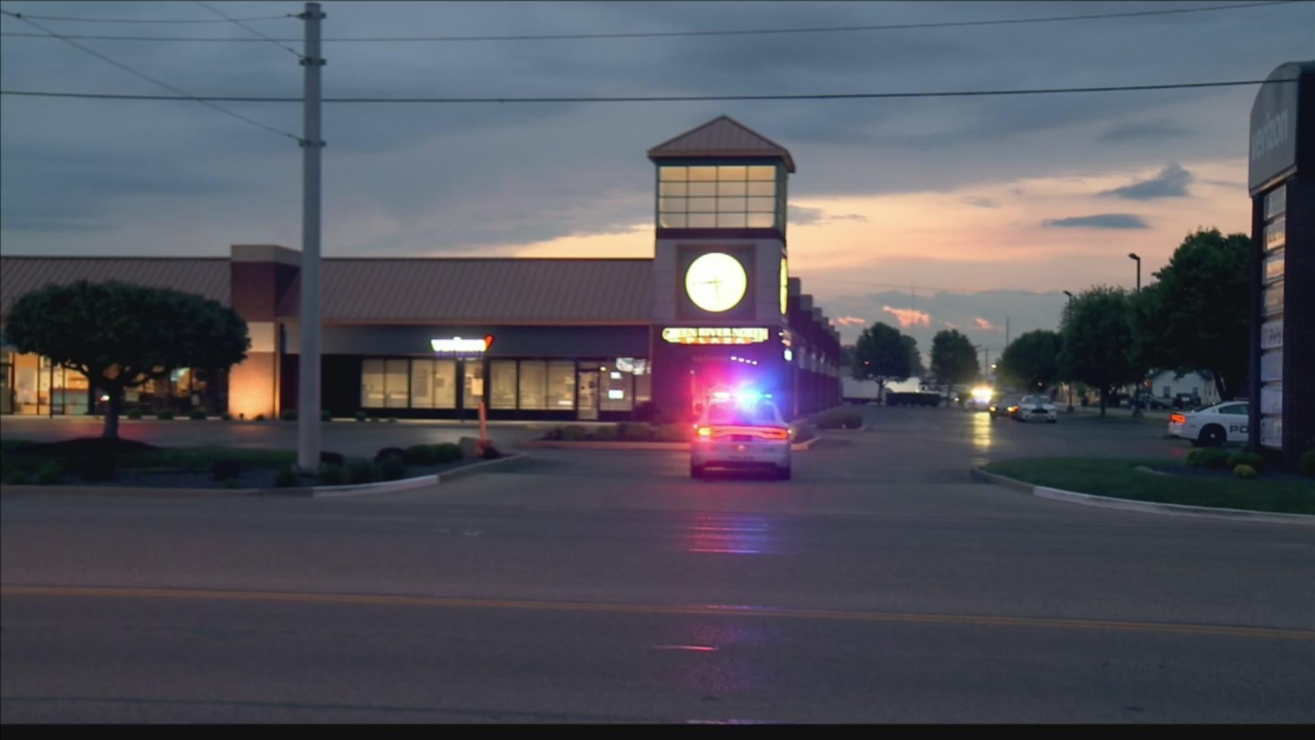 N. Green River Plaza store owners report break in