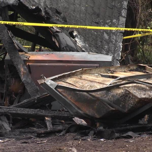 Two_house_fires_being_investigated_in_Bo_7_20190411200030