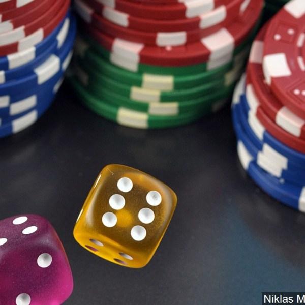 gambling mgn_1558966357384.jpg.jpg