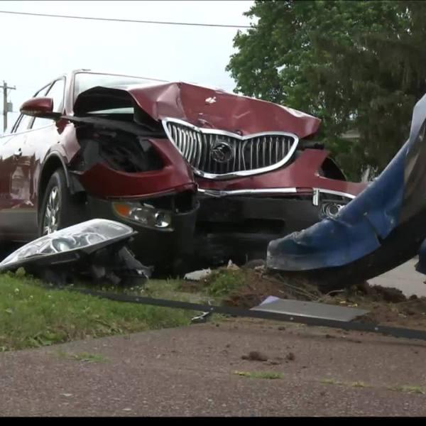 Evansville_car_accident_4_20190616014129