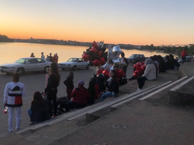 Family, friends gather at Evansville riverfront to remember Laren Hall