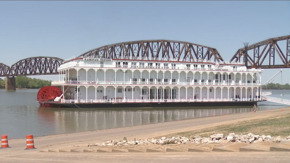American Duchess riverboat in Henderson