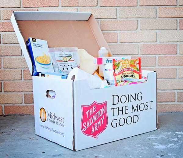 salvation army food giveaway