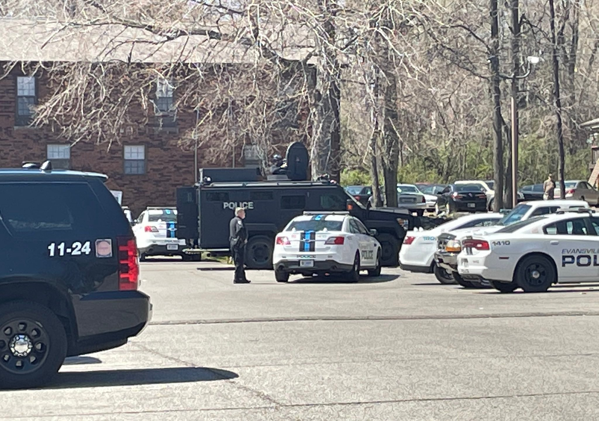 Heavy police presence at Shady Tree Apartments in Evansville